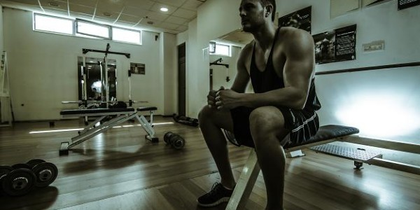 4-day split workout routine with supersets for a beginner